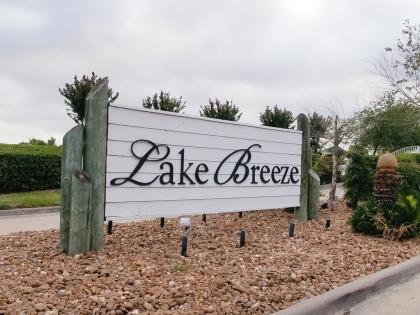 10885 S Lake Mist, Willis, TX 77318-12